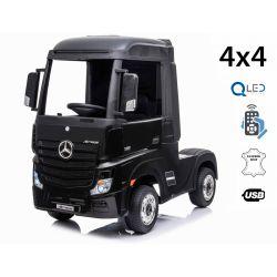 Elektrické autíčko Mercedes-Benz Actros, Jednomístné, černé, Kožené sedadlo, MP3 Přehrávač s USB vstupem, Pohon 4x4, 2x 12V7Ah Baterie, EVA kola, Odpružené nápravy, 2,4 GHz Dálkové Ovládání