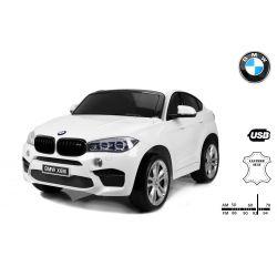 Elektrické autíčko BMW X6 M, 2 místní, 2 x 120W motor, 12V, elektrická brzda, 2,4 GHz dálkové ovládání, otvíravé dveře, EVA kola, kožené sedadlo, 2 X MOTOR, bílé, ORGINAL licence